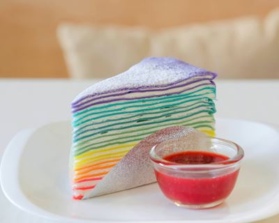 i66478-gateau-de-crepes-rainbow